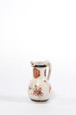 ARONSON 2016 Tefaf Petit Fou Polychrome and Gilded Puzzle Jug c1730 19.6cm van Beuningen collection